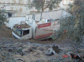 Un camion-ambulance après le bombardement israëlien...