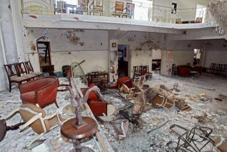 323102_un-des-lieux-vises-par-les-attentats-de-casablanca-du-16-mai-2003-au-maroc