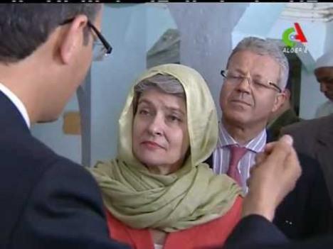 """""""Qui est le con qui a inscrit une visite de mosquée sur mon agenda?"""""""